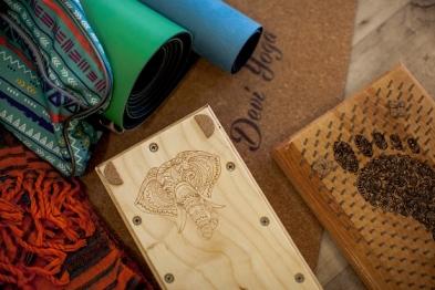 Как выбрать подарок йогу