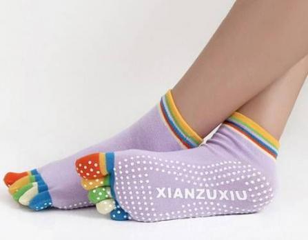 Носочки с цветными пальчиками для йоги