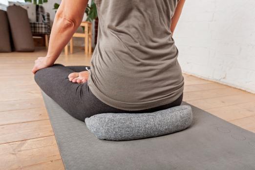 Подушка для медитации полумесяц (рогожа)