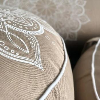 Подушка для медитации Мандала круглая