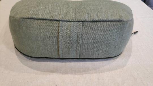 Подушка для медитации серо-зеленая с ручкой