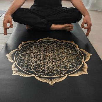 Профессиональный коврик Yoga Club для йоги PRO FLOWER GOLD